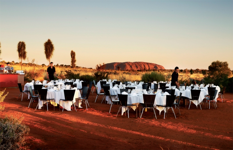 Sound of Silence, Australian barbecue in the Outback