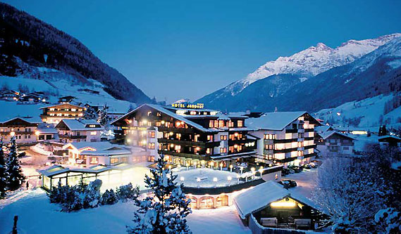 Hotel Jagdhof - Expect traditional Tyrolean hospitality in the five-star hotel