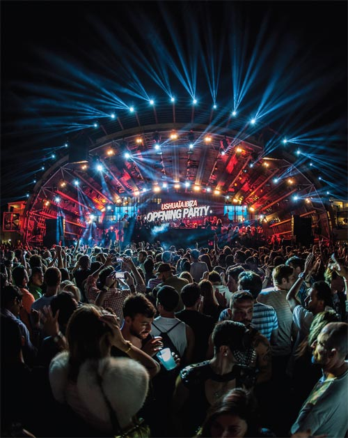 Roof Terrace - A state-of-the-art stage boasts elaborate pyrotechnics and laser shows