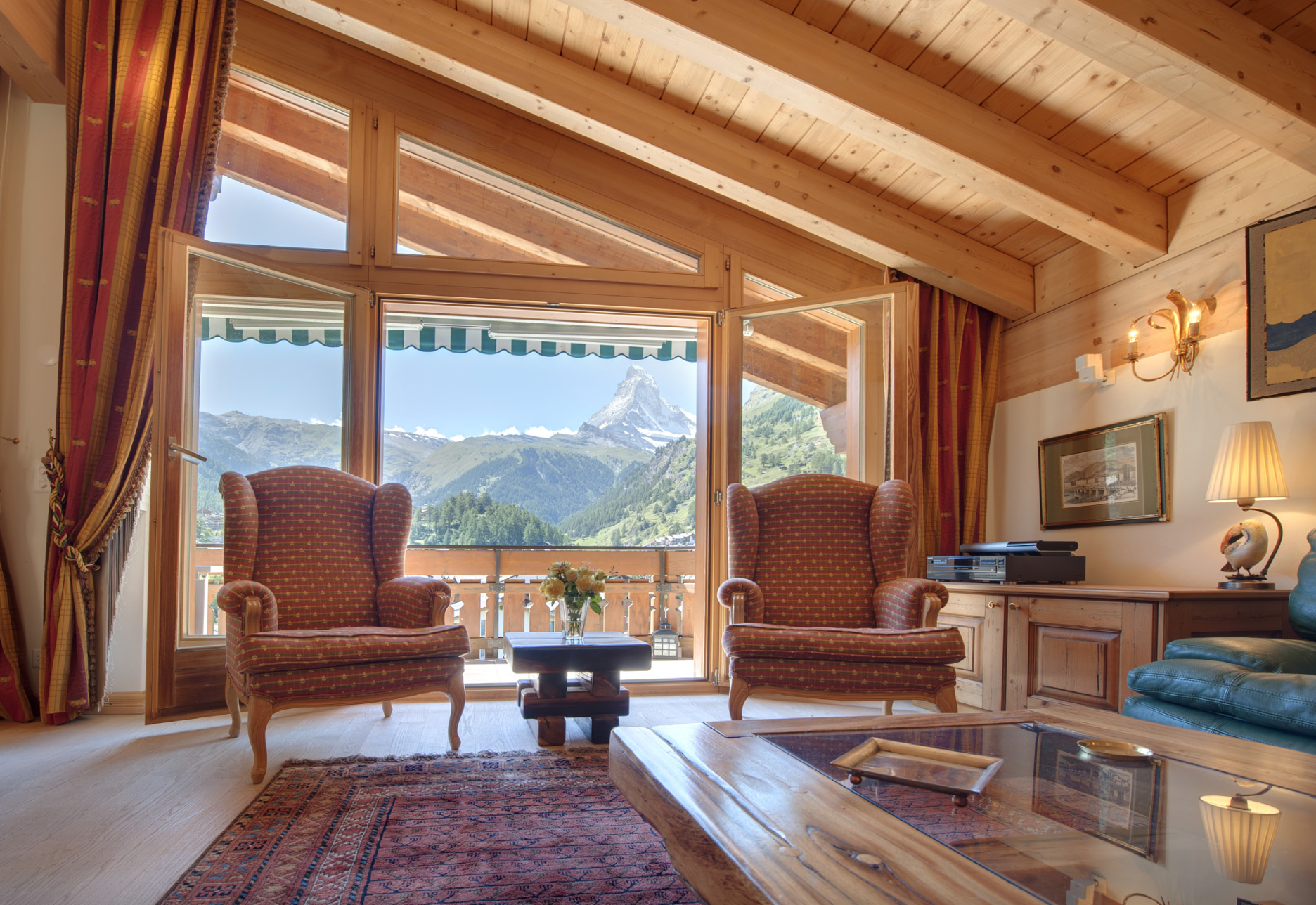 Salon chalet montagne: decoration salon style chalet. gite chalet ...