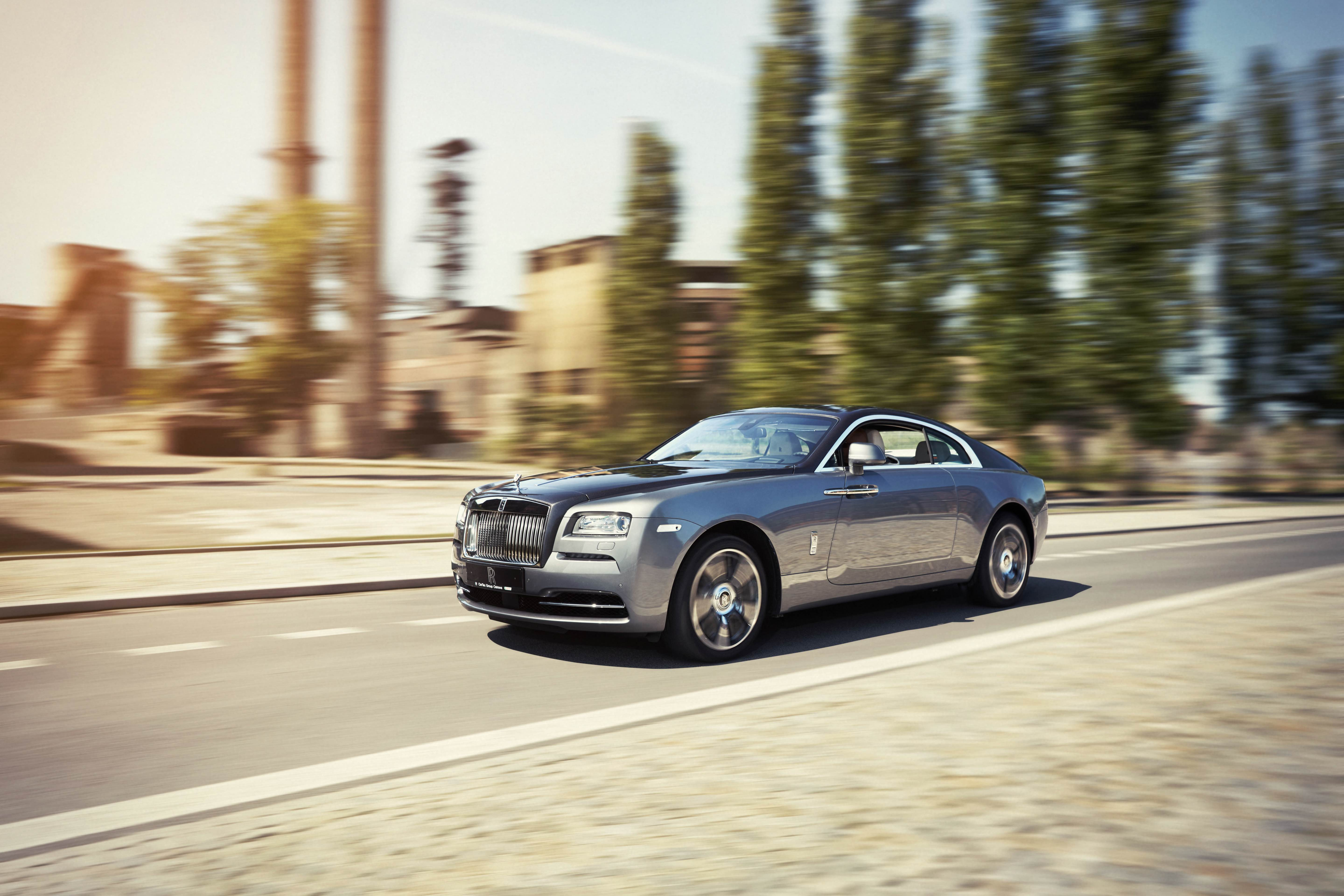 Test driving a Rolls Royce Wraith